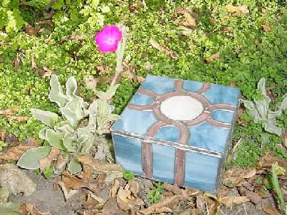 blue/pink box